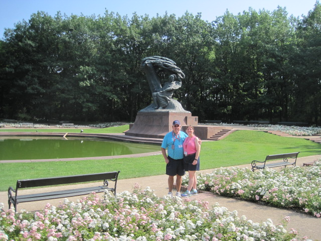 T&E at Chopin memorial